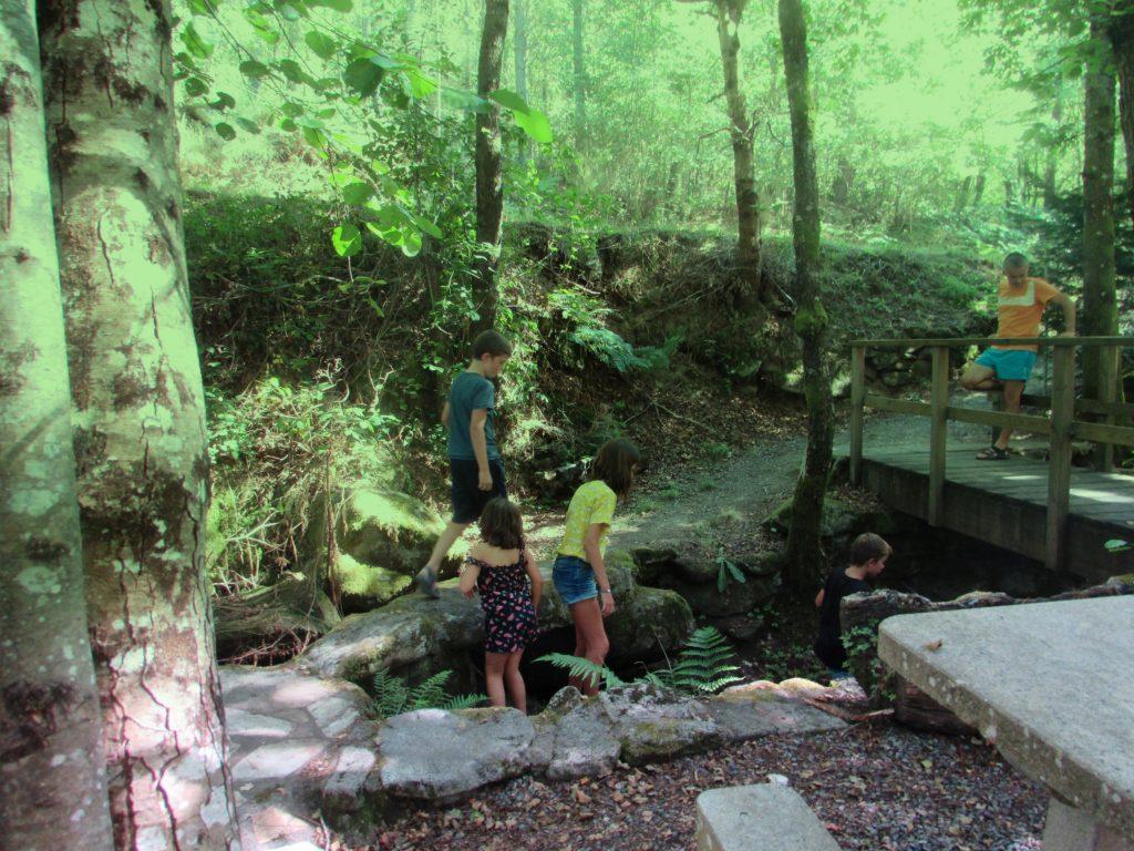 ruta en familia a la Ribeira Sacra OS CHANCIS